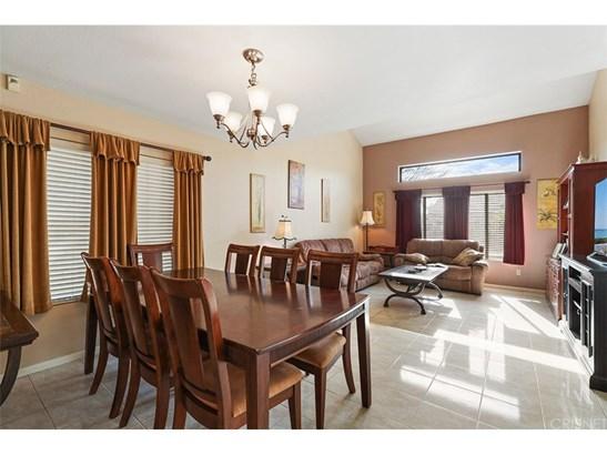 Single Family Residence, Contemporary - Saugus, CA (photo 4)