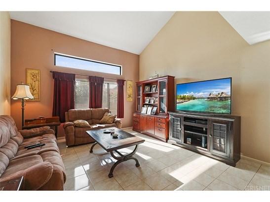 Single Family Residence, Contemporary - Saugus, CA (photo 5)