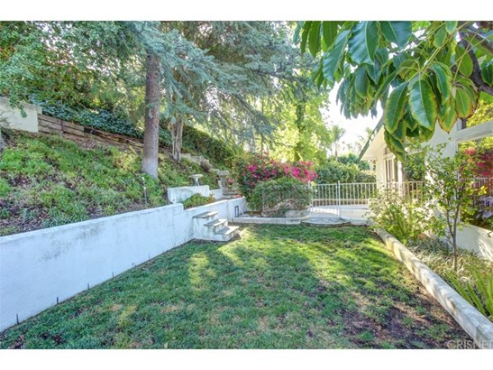 Single Family Residence, Traditional - West Hills, CA (photo 5)