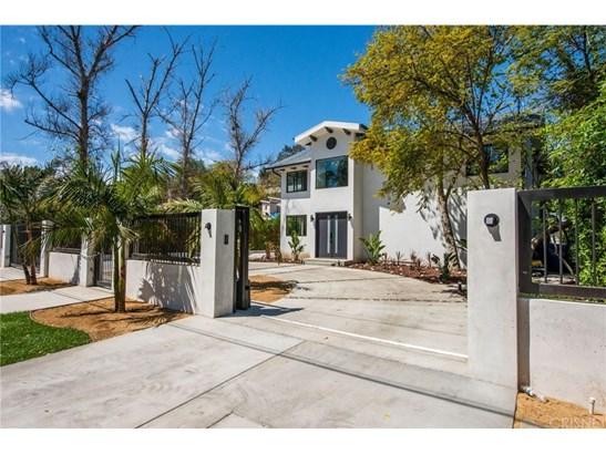 Contemporary,Modern, Single Family Residence - Tarzana, CA (photo 2)