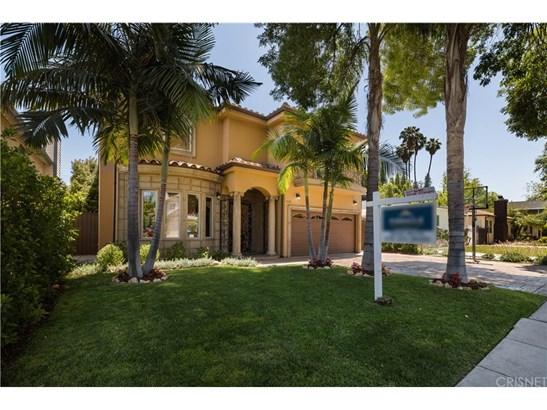 Single Family Residence - Sherman Oaks, CA