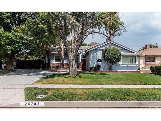 Single Family Residence, Traditional - Winnetka, CA (photo 1)