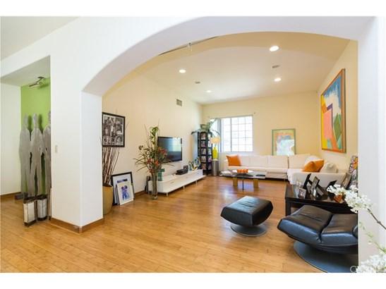 Contemporary,Mediterranean, Single Family Residence - Calabasas, CA (photo 3)