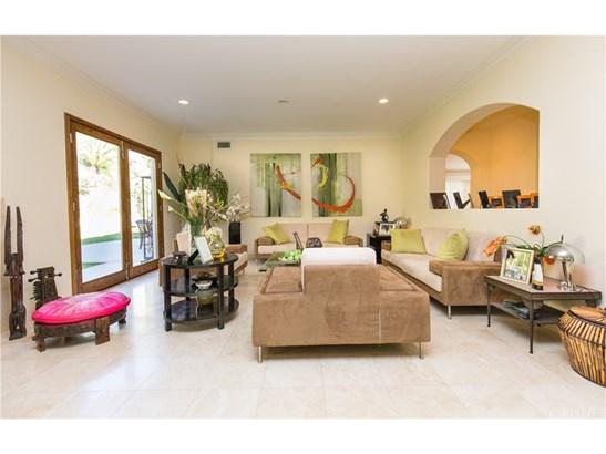 Contemporary,Mediterranean, Single Family Residence - Calabasas, CA (photo 4)