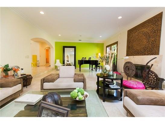Contemporary,Mediterranean, Single Family Residence - Calabasas, CA (photo 5)