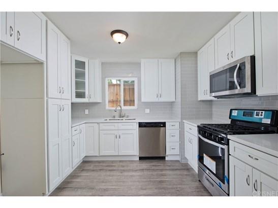 Single Family Residence - Agoura Hills, CA (photo 4)