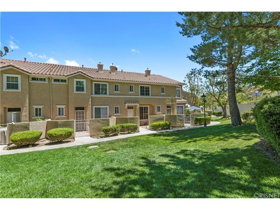 Townhouse - Stevenson Ranch, CA (photo 5)