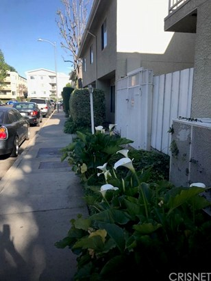 Condominium - Sherman Oaks, CA (photo 1)