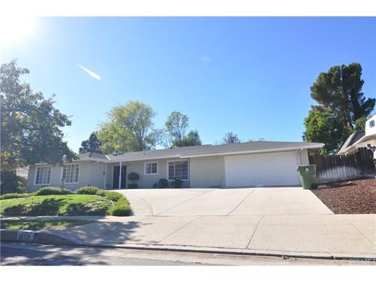 Single Family Residence - Chatsworth, CA