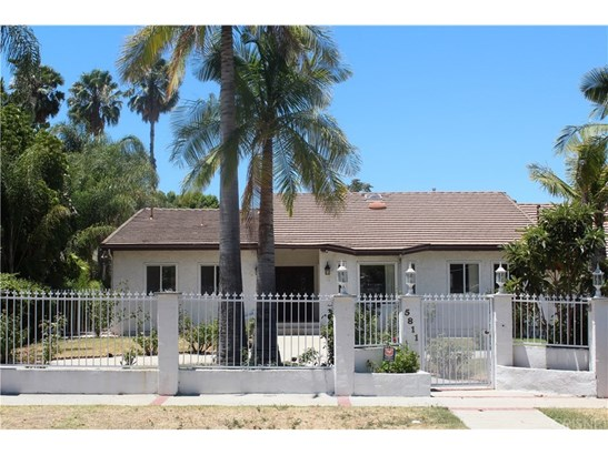 Single Family Residence - Tarzana, CA (photo 2)