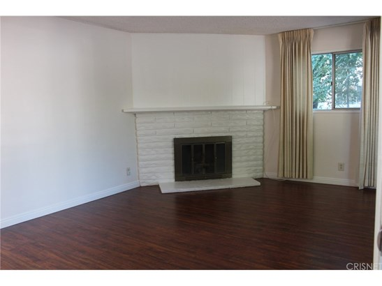 Single Family Residence, Contemporary - Woodland Hills, CA (photo 3)