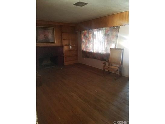 Single Family Residence - Fontana, CA (photo 3)