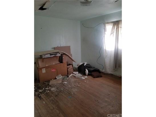 Single Family Residence - Fontana, CA (photo 4)