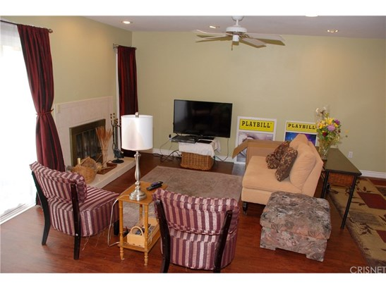 Townhouse, Traditional - Chatsworth, CA (photo 4)