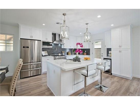 Single Family Residence, Contemporary - Tarzana, CA (photo 4)