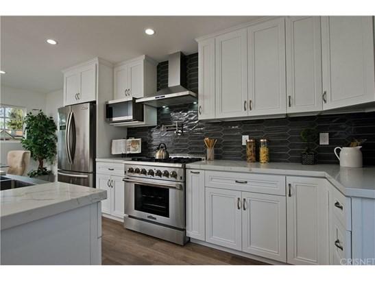 Single Family Residence, Contemporary - Tarzana, CA (photo 5)