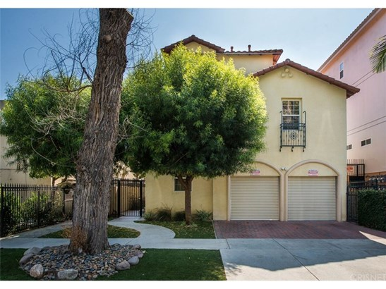 Townhouse, Traditional - Sherman Oaks, CA (photo 2)