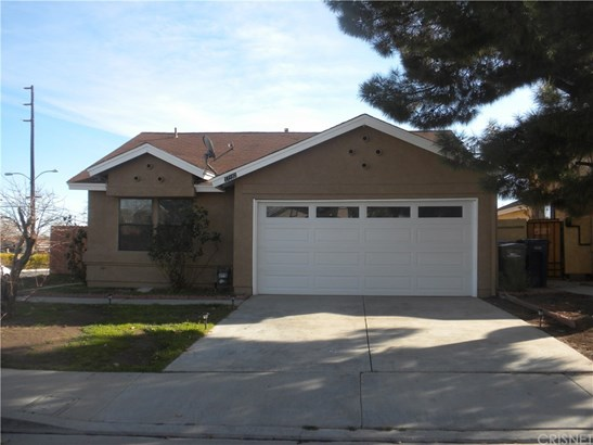 Single Family Residence, Traditional - Palmdale, CA (photo 1)