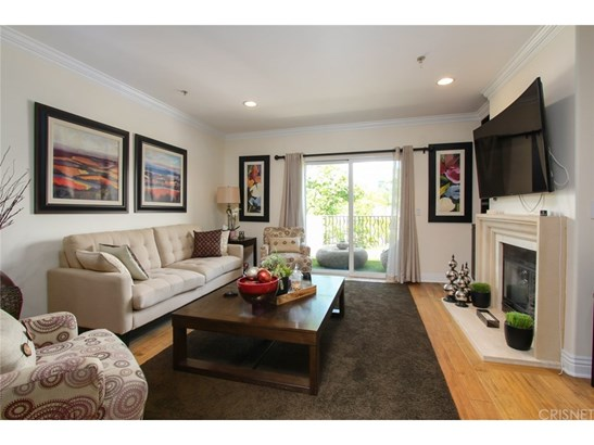 Condominium, Contemporary - Studio City, CA (photo 3)