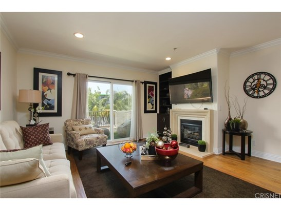 Condominium, Contemporary - Studio City, CA (photo 4)