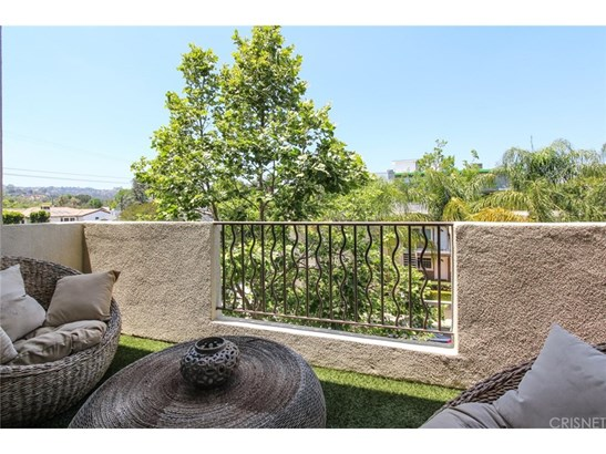 Condominium, Contemporary - Studio City, CA (photo 5)