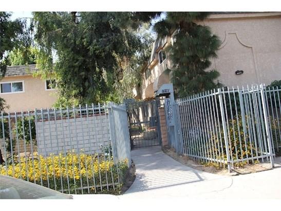 Condominium - Northridge, CA (photo 4)