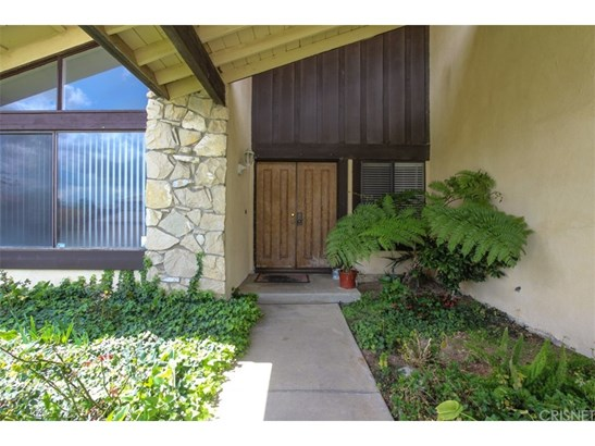 Ranch,Traditional, Single Family Residence - Porter Ranch, CA (photo 2)