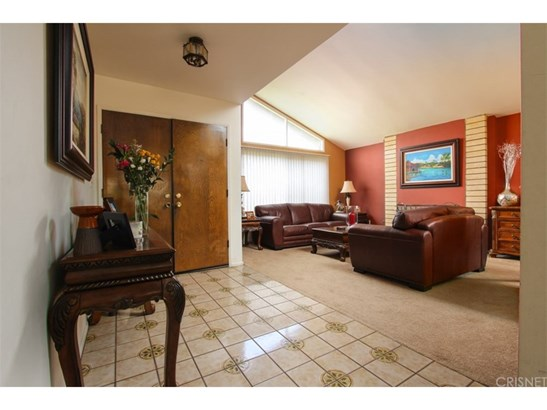 Ranch,Traditional, Single Family Residence - Porter Ranch, CA (photo 3)