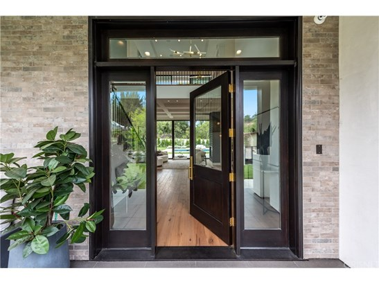 Contemporary,Spanish, Single Family Residence - Tarzana, CA (photo 5)