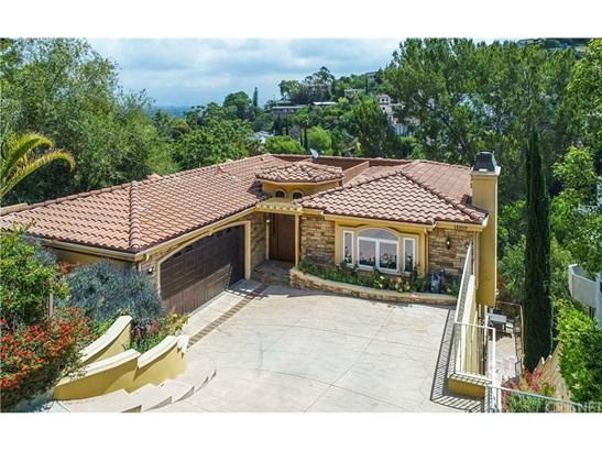 Mediterranean, Single Family Residence - Sherman Oaks, CA