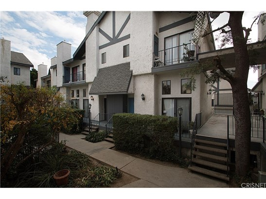 Townhouse - North Hills, CA (photo 2)
