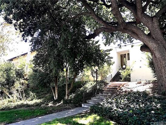 Condominium - Valencia, CA (photo 1)