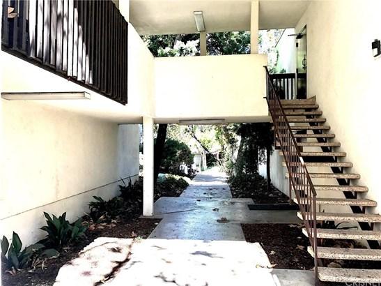 Condominium - Valencia, CA (photo 3)