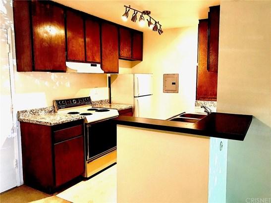 Condominium - Valencia, CA (photo 5)