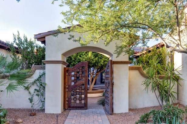 Single Family - Detached, Santa Barbara/Tuscan - Paradise Valley, AZ (photo 3)
