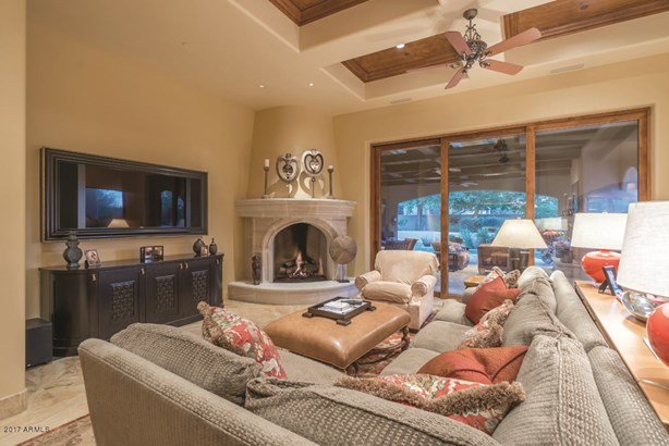 Single Family - Detached, Spanish,Santa Barbara/Tuscan - Paradise Valley, AZ (photo 3)