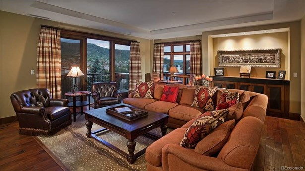 2250 Apres Ski Way, Steamboat Springs, CO - USA (photo 2)