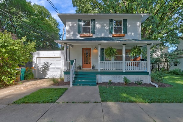 2 Stories, Traditional - CHAMPAIGN, IL