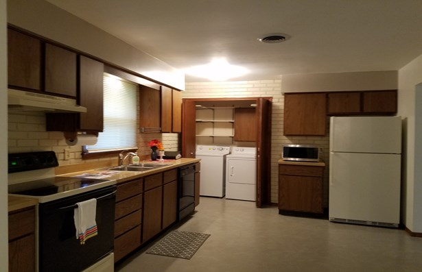 Residential Rental - CHAMPAIGN, IL (photo 3)