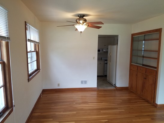 Residential Rental - CHAMPAIGN, IL (photo 2)