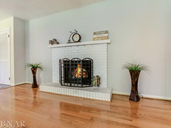 8592 Blooming Grove Rd, Bloomington, IL - USA (photo 4)