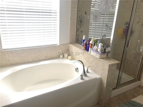 8432 Insignia Avenue 101, Las Vegas, NV - USA (photo 5)