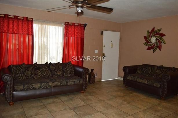 4440 Ogden Avenue, Las Vegas, NV - USA (photo 3)