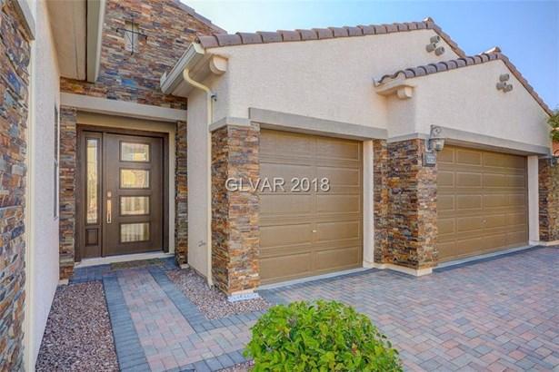 9829 Proud Clarion Street, Las Vegas, NV - USA (photo 3)