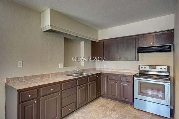 2104 Peyton Drive, Las Vegas, NV - USA (photo 2)