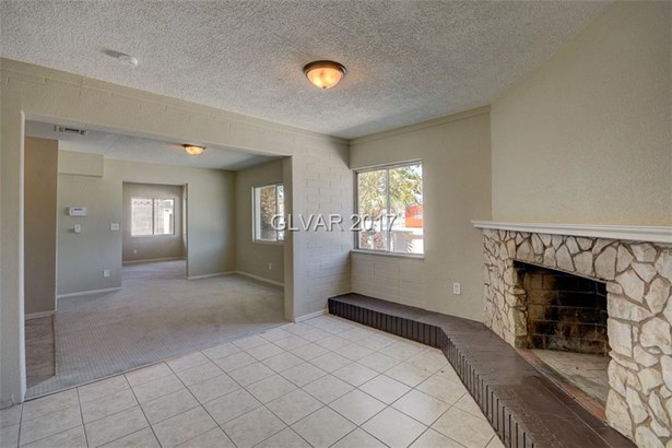2104 Peyton Drive, Las Vegas, NV - USA (photo 4)