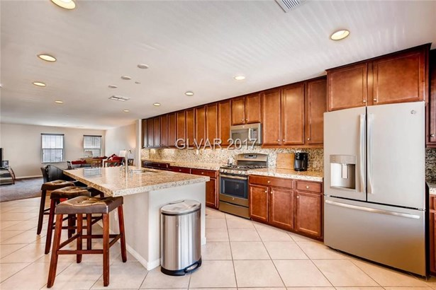 1306 Quiet Fox Way, Henderson, NV - USA (photo 2)