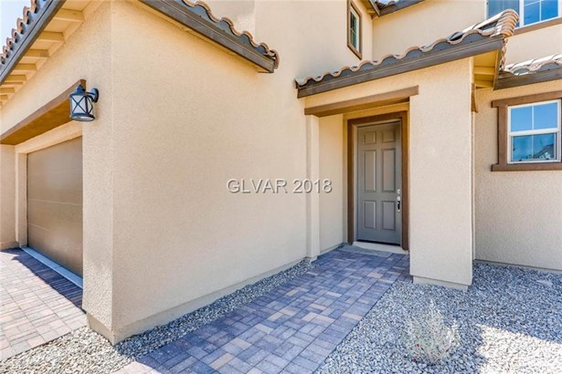 3202 Molinos Drive, Las Vegas, NV - USA (photo 2)