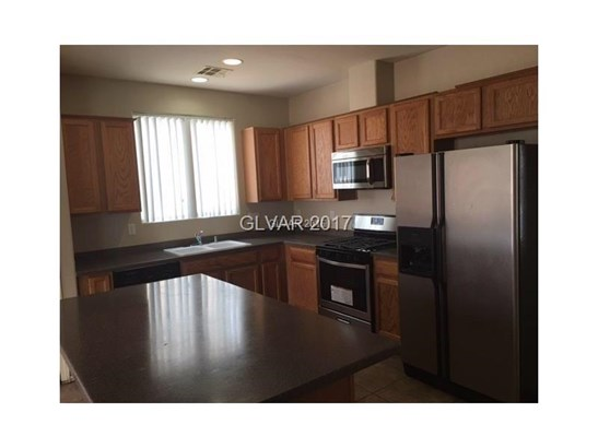 5865 Hollingshed Court, North Las Vegas, NV - USA (photo 5)