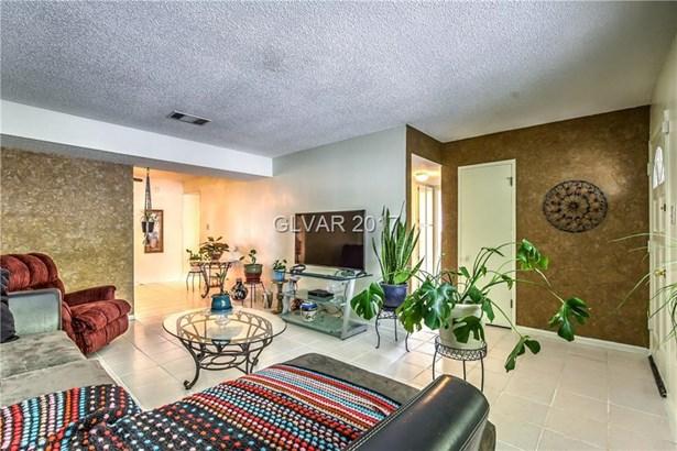 2133 Cascade Street, Las Vegas, NV - USA (photo 4)